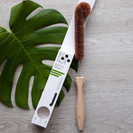 Bottle brush made from coconut fibre