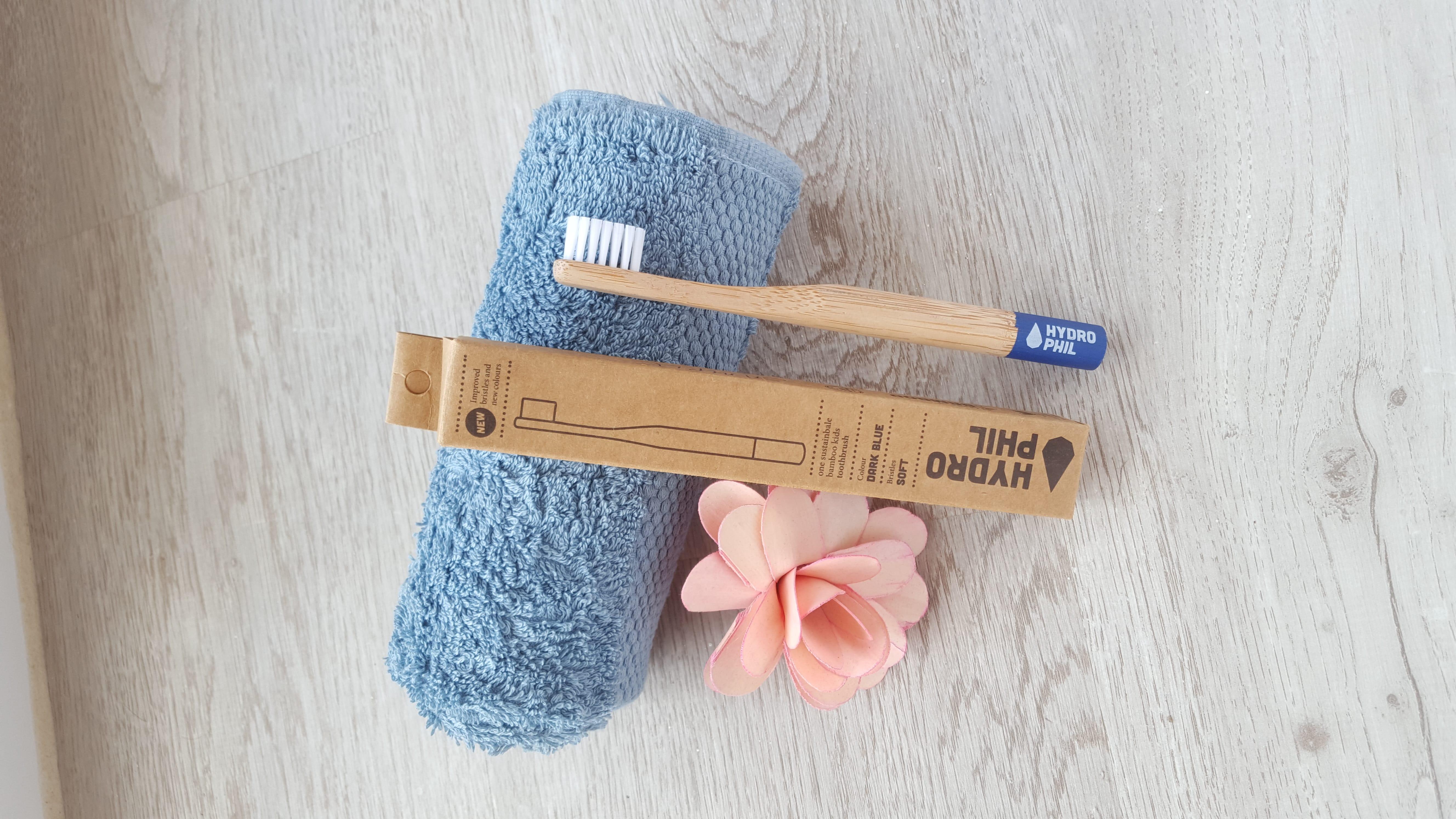 Cepillo de dientes de bambú para niños