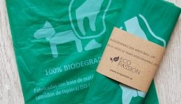 Eco-Friendly Products: Biodegradable doggie poo bags