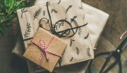 5 Ways to Have a Plastic-free Christmas